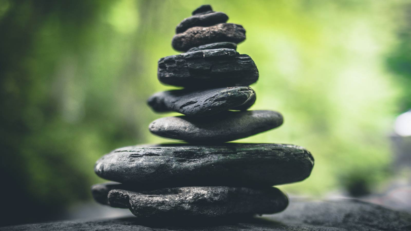 Rock sculpture photo